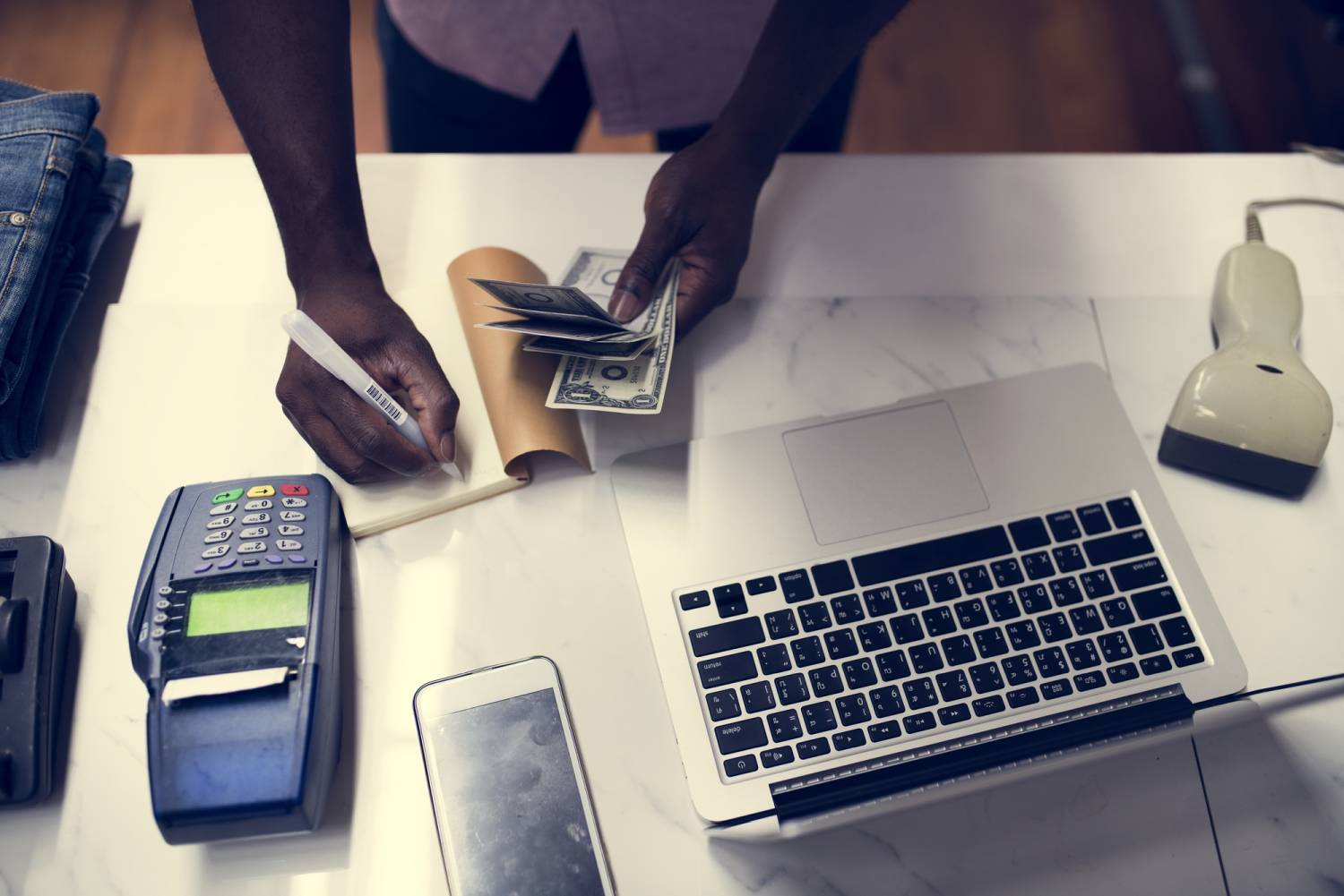 business getting payment with cash